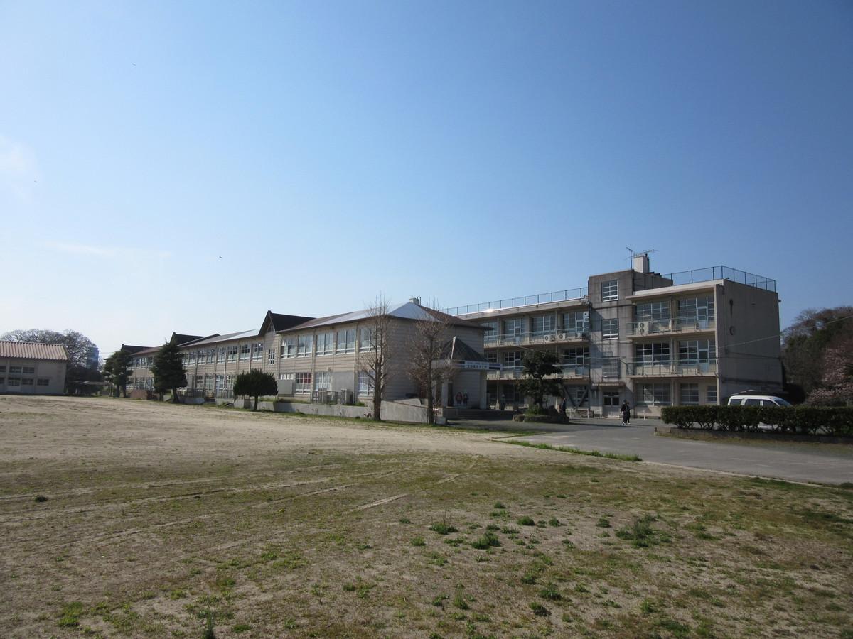 旧舞鶴中学校跡地)